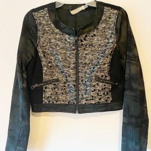 Clunky Womens Jacket Zipup Front Black Pattern 4